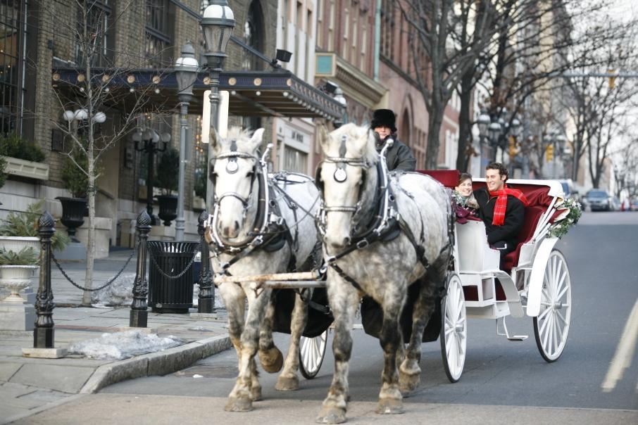 ChristmasInBethlehem_CarriageRide08_DiscoverLehighValley_AngCaggiano